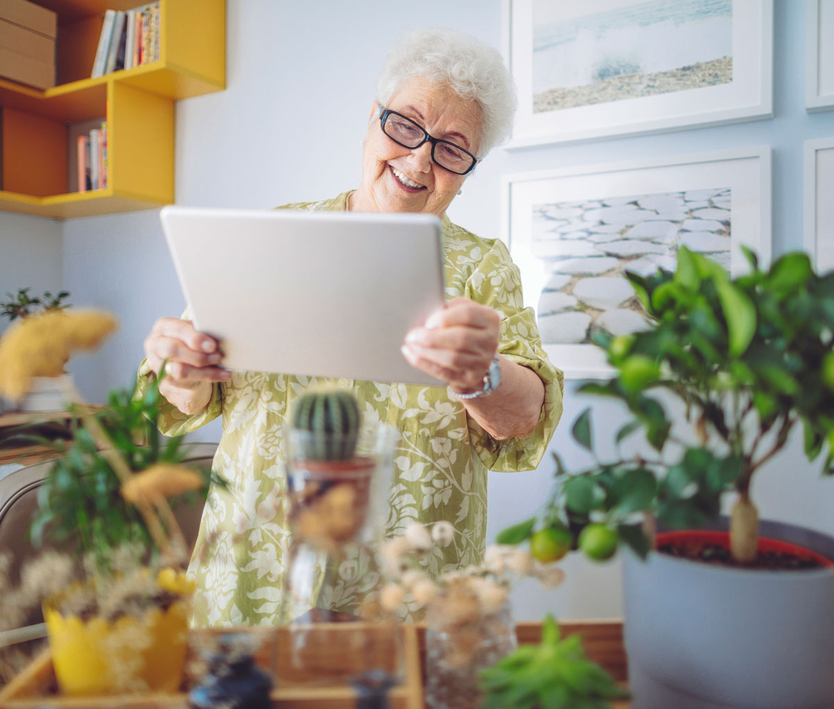 How Technology Can Help Seniors and Families Remain Connected