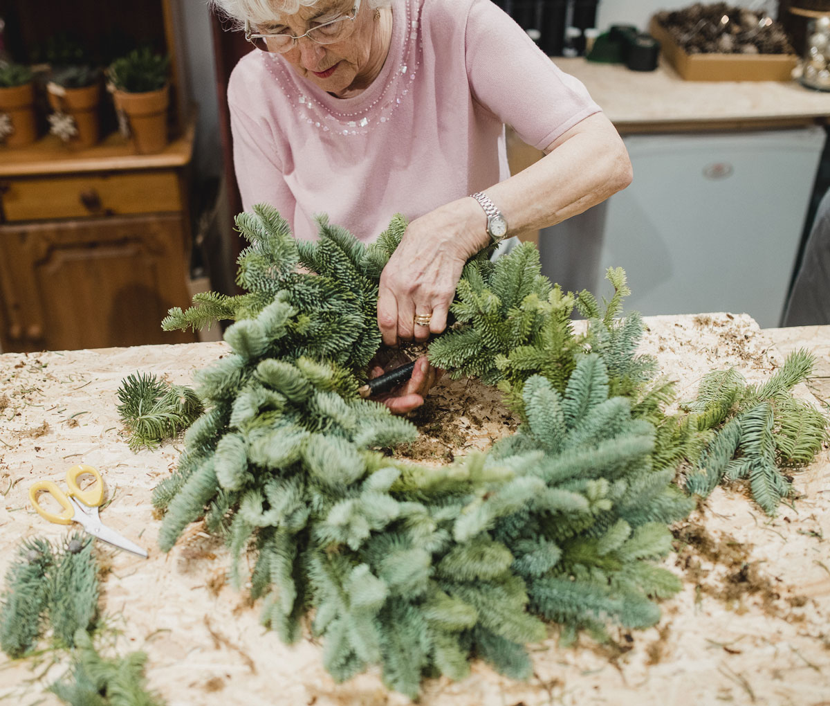 How to Relieve Senior Loneliness During the Holidays